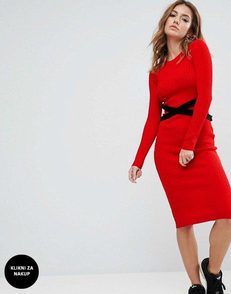 Oblačila v rdeči barvi - 9