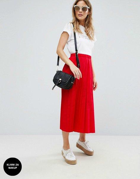 Oblačila v rdeči barvi - 7