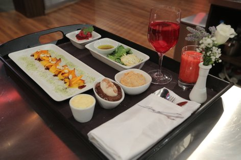Simone letalski obrok