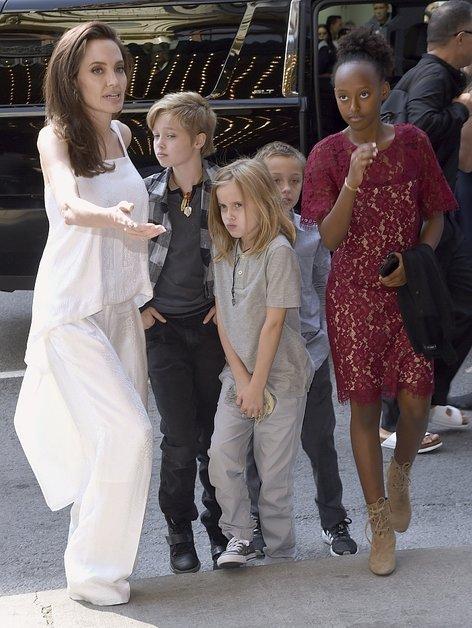 Angelina Jolie v Torontu (TIFF) - 4