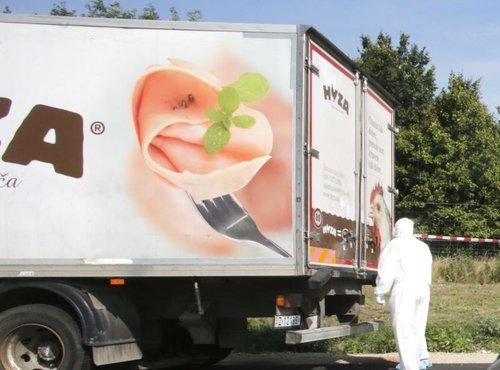 Tovornjak z mrtvimi begunci - 2