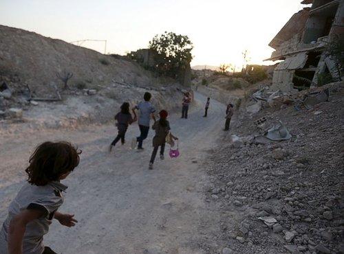 Otroci v predmestju Damaska