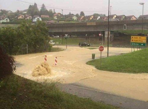 Poplavljene cestev v Šentilju