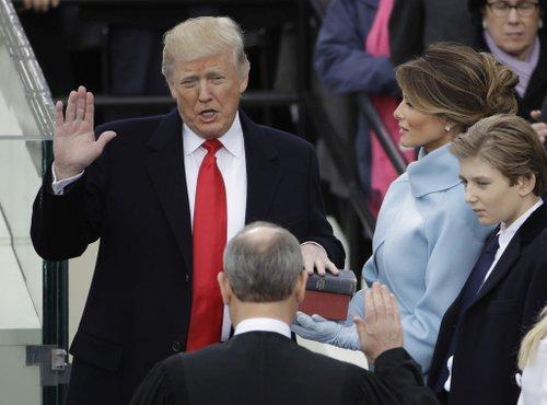 Donald Trump zaprisegel - 2