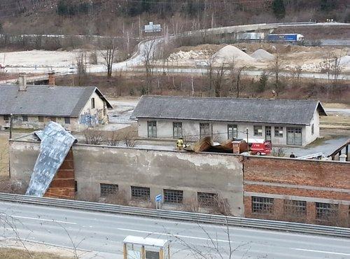 Veter odkrival strehe v Hrušici - 3