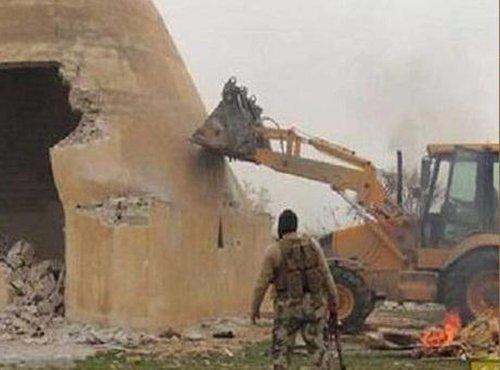 Is uničuje asirsko mesto Nimrud