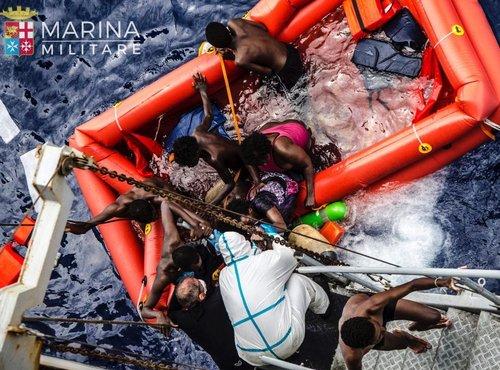 Reševanje prebežnikov iz morja - 2