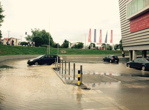 Poplava zaradi počenih cevi - 2