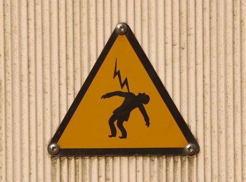 Nevarnost električnega udara