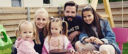 Tinkara Fortuna z družino