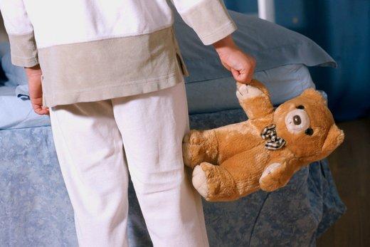 Otrok z medvedkom