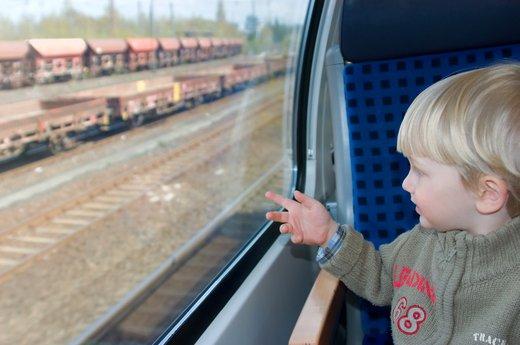Otrok na vlaku