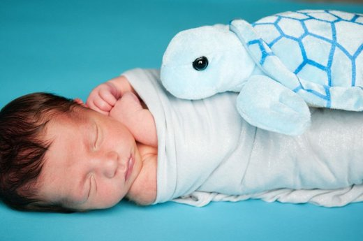 Novorojenček spi