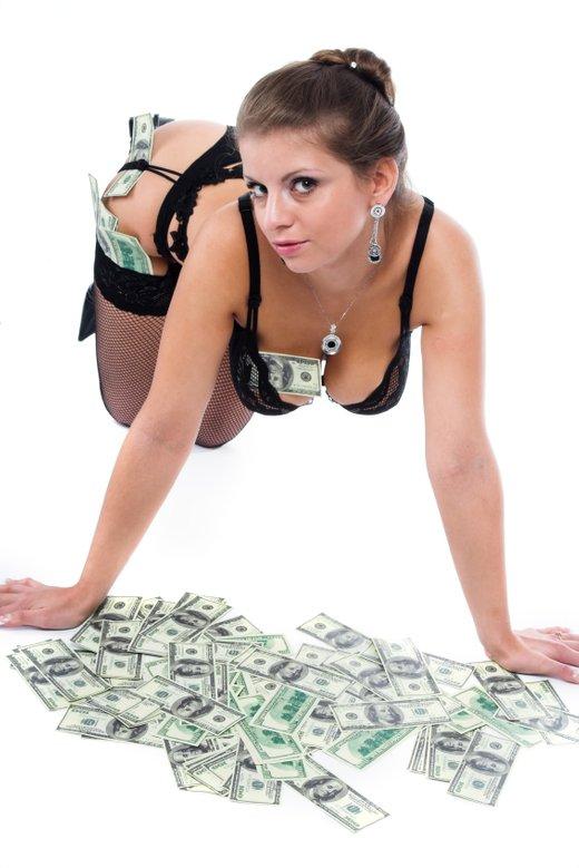z denarjem do seksi ženske
