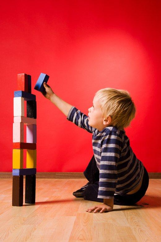 fantek se igra z kockami