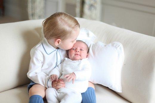 Princ George in princesa Charlotte - 3