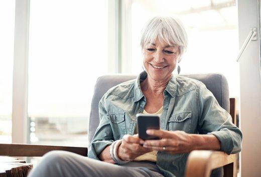 Brez mobilnega telefona si danes ne predstavljamo več življenja.
