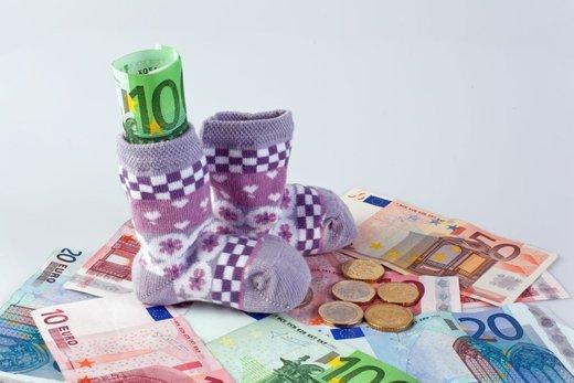 Denar v nogavici