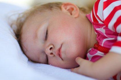 Dojenček in poletno spanje