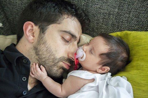 Oče z dojenčkom