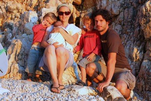Poletje Urškine družine.