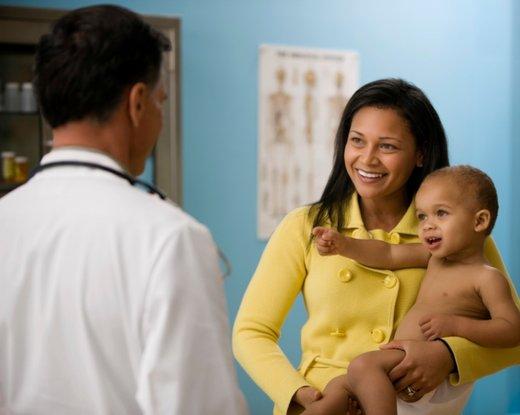 Malček pri zdravniku