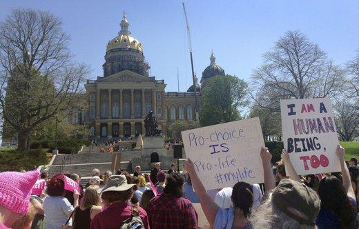 Protesti za pravico do splava