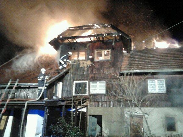 Požar v vasi Legan