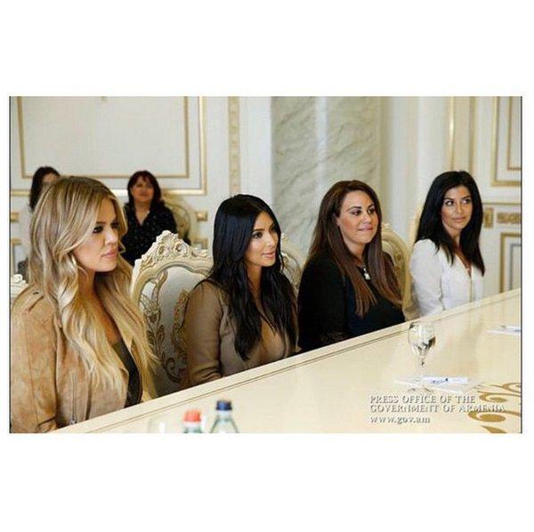 24ur.com - To sta sestrični Kim Kardashian!