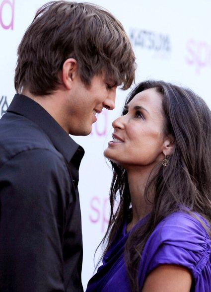 Ashton Kutcher in Demi Moore