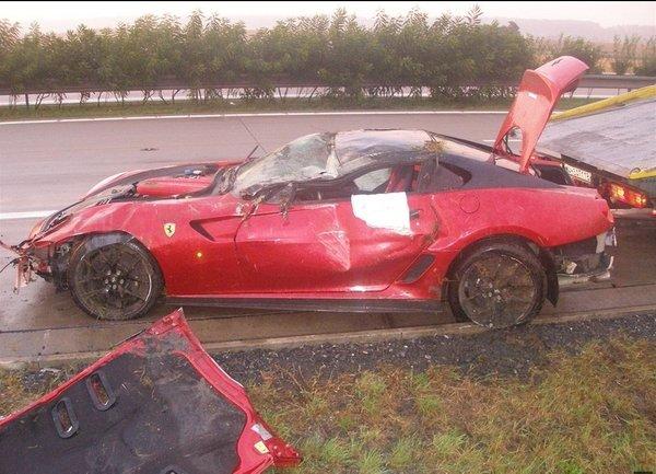 Popolnoma uničil ferarija 599 GTO, škode za 4,5 milijona - 6