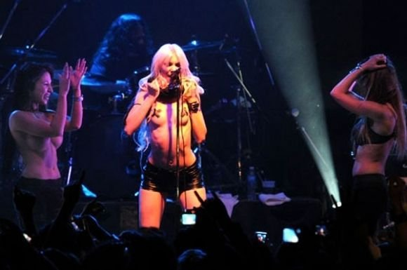Taylor Momsen - 3