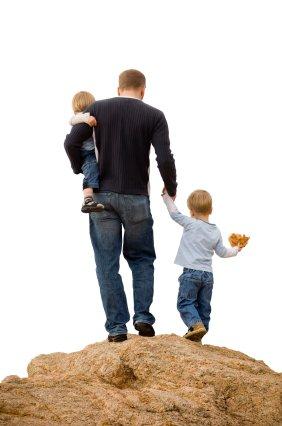 očka z dvema otrokoma