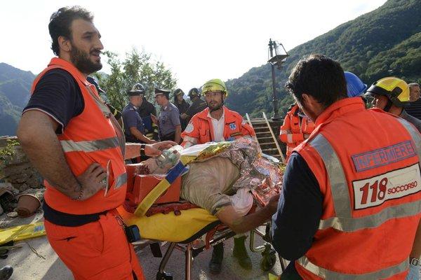 Reševanje žrtev potresa v Italiji