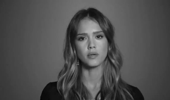 Jessica Alba (Zvezdniki proti nasilju z orožjem)
