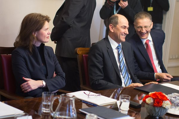 Bratuškova, Janša in Lukšič