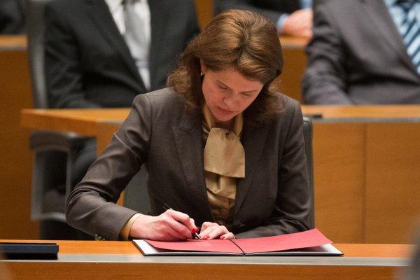 Alenka Bratušek izvoljena za predsednico vlade - 7