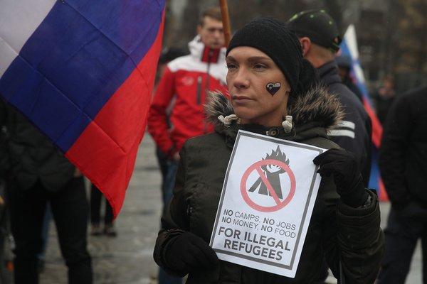 Protestniki so se srečali na Kotnikovi - 17
