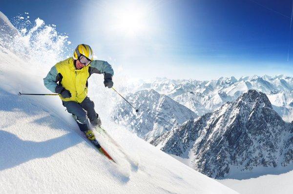 Smučar v Alpah
