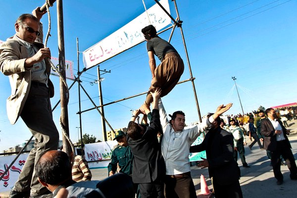 obešanje obsojenih v Iranu