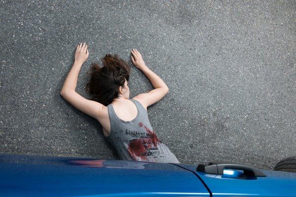 Povozil jo je lasten avtomobil! - 2