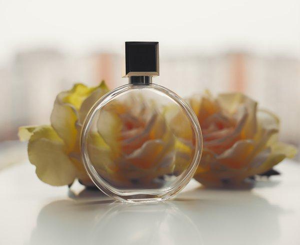 moški, vrtnice in parfum - 6