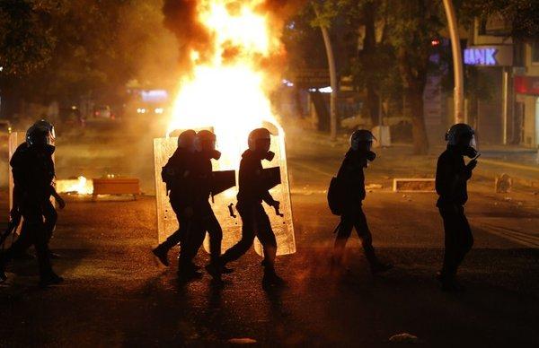Nasilje med protesti v Ankari - 5