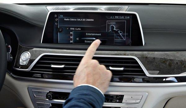 BMW 7 Series Sedan - 10