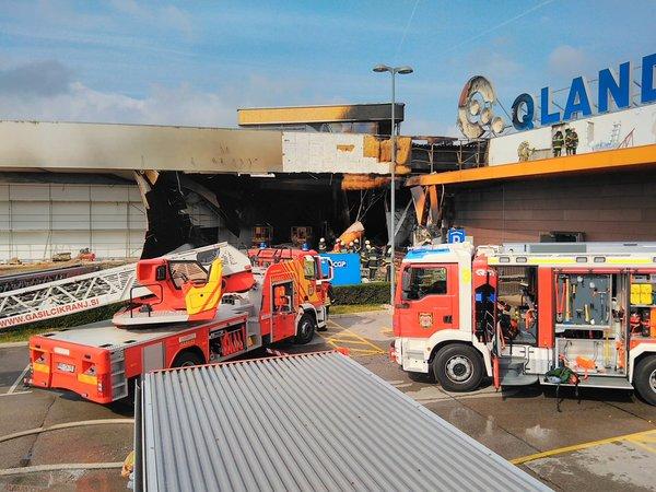 Požar v kranjski Qlandiji - 1