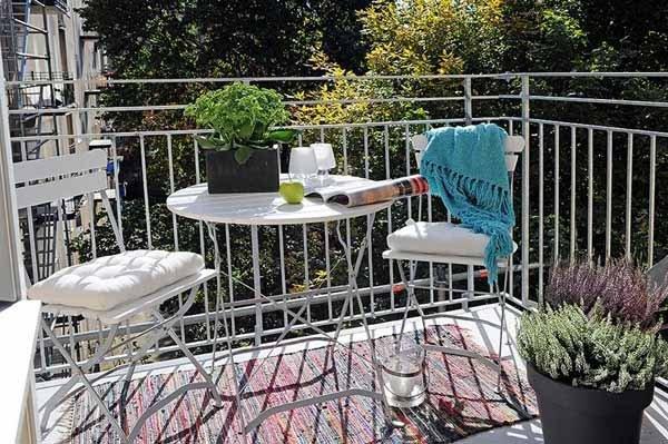 kako preurediti balkon. Black Bedroom Furniture Sets. Home Design Ideas
