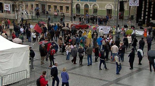 Zbiranje protestnikov