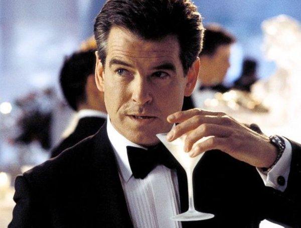 James Bond 007, hotel