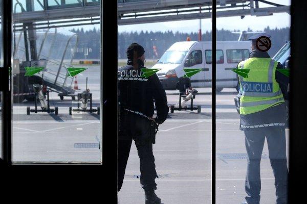 Na letališču - 1
