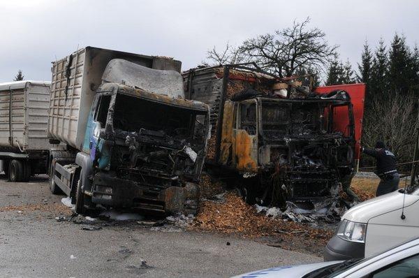 Zgorela tovornjaka - 2